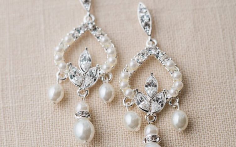 Pearl and silver dangly earrings